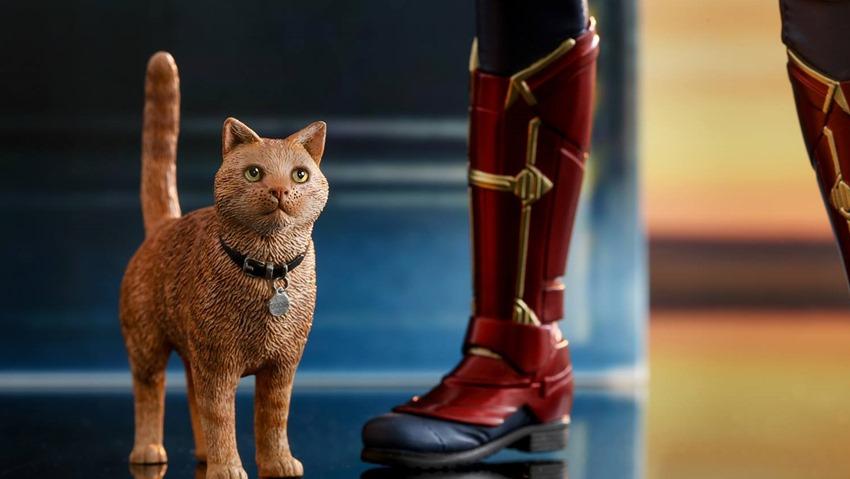 Hot Toys Captain Marvel (2)