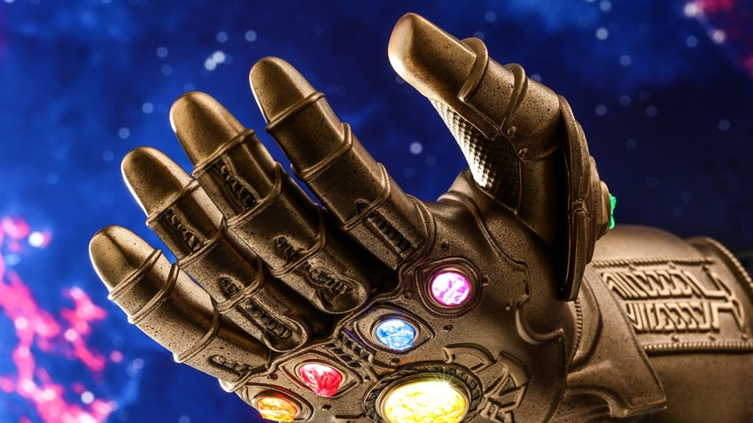 Infinity Gauntlet quarter scale (1)