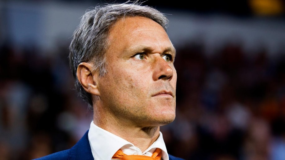 ea-sports-haalt-marco-van-basten-uit-fifa-20-na-sieg-heil-uitspraak