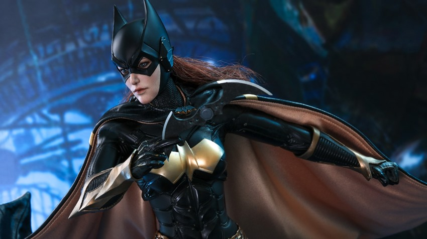 Hot Toys Batgirl (3)
