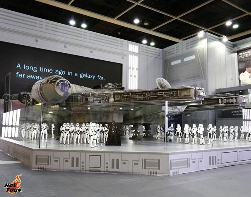 Hot Toys Millennium Falcon (2)