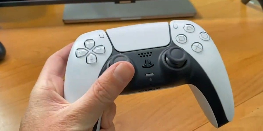 PS5-DualSense-Controller-Hands-On-Reveal-Coming-Friday